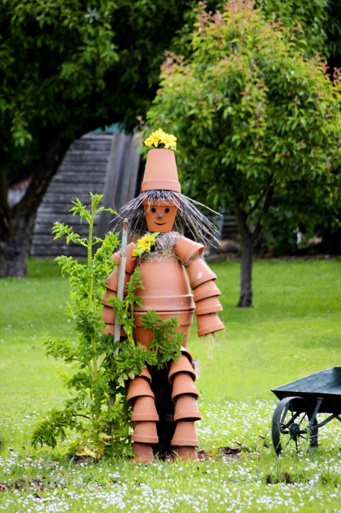 A Real, In-The-Flesh Flowerpot Man