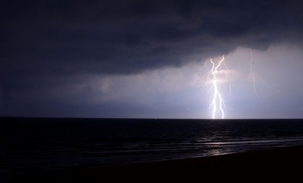 2am Lightning Show